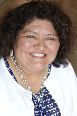 Tarajean Yazzie-Mintz of the American Indian College Fund, 2016 recipient of Harvard Graduate School of Education's Alumni Council Award for Outstanding Contribution.
