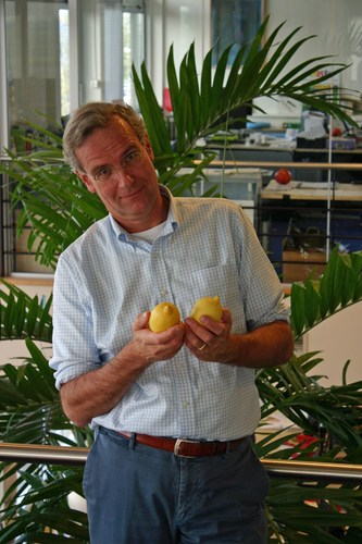 Volkert Engelsman, CEO and founder of Eosta / Nature & More, with organic lemons (from Turkey) ...
