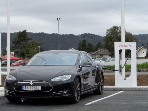 Supercharging station in Lyngdal, Norway (PRNewsFoto/Tesla Motors Inc)