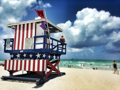 The Patriotic 13th Street Lifeguard Tower (Photo Credit: Pixabay)