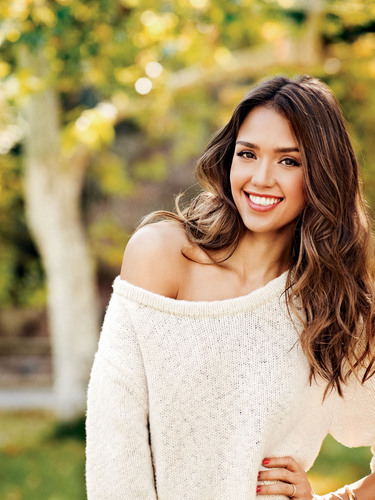 Piperlime Announces Jessica Alba As New Guest Editor.  (PRNewsFoto/Piperlime)