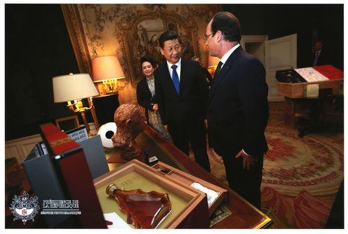 Camus 1964 Presidential Coffret (PRNewsFoto/Cognac Camus)