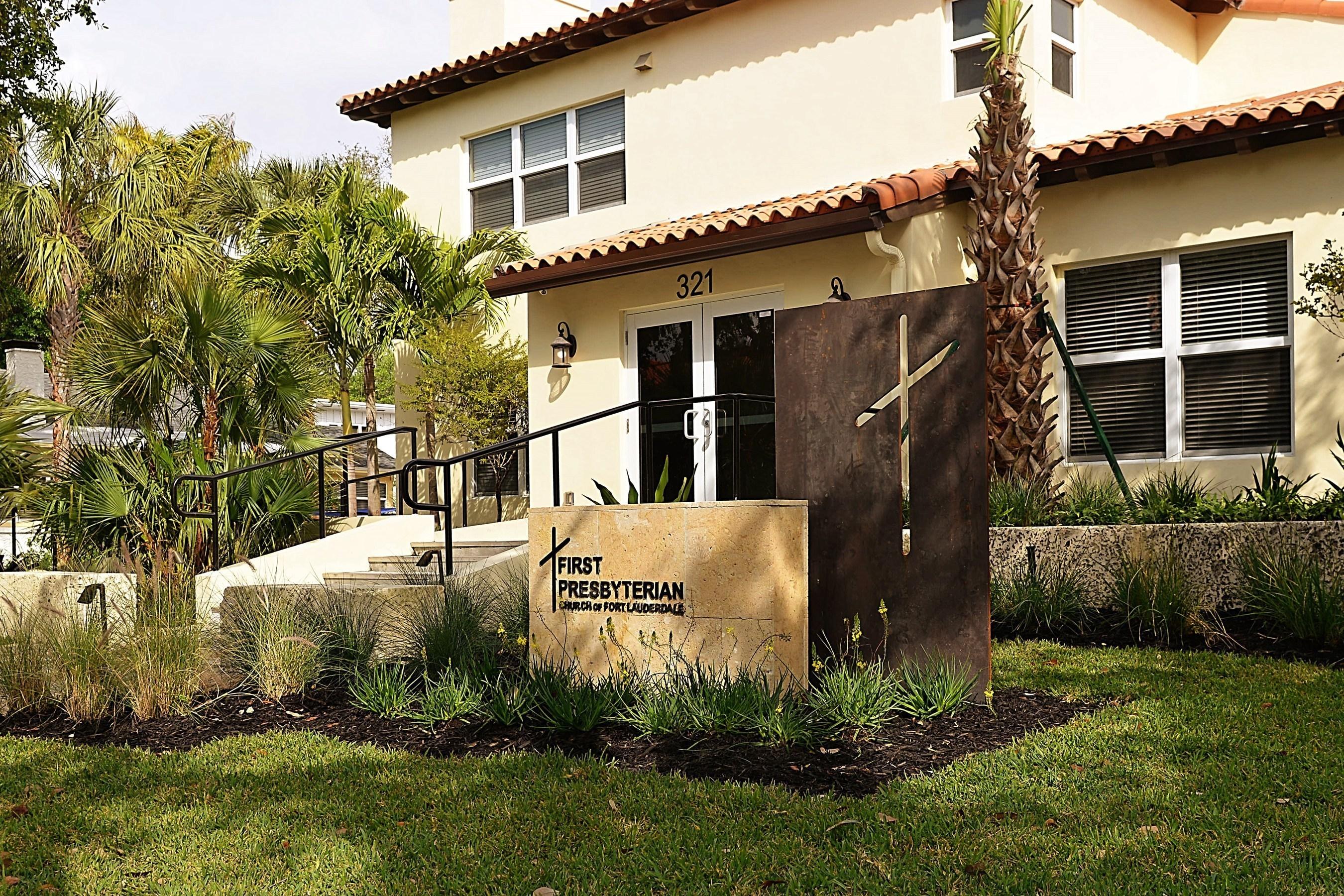 First Presbyterian Church of Fort Lauderdale Wins Broward County 2016 NatureScape Emerald Award