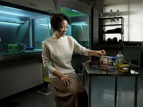 Professor Kayo Inaba, Laureate for Asia and Pacific/ Professeur Kayo Inaba, Lauréate pour l'Asie et Pacifique - © Julian Dufort (PRNewsFoto/L'Oreal; UNESCO)