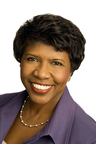 "Gwen Ifill will receive the 2013 Al Neuharth Award for Excellence in Journalism on June 23 at the Newseum's Knight Conference Center in Washington, D.C. The longtime print and television journalist is co-anchor of the PBS NewsHour and moderator of ""Washington Week."" (PRNewsFoto/Newseum Institute)"