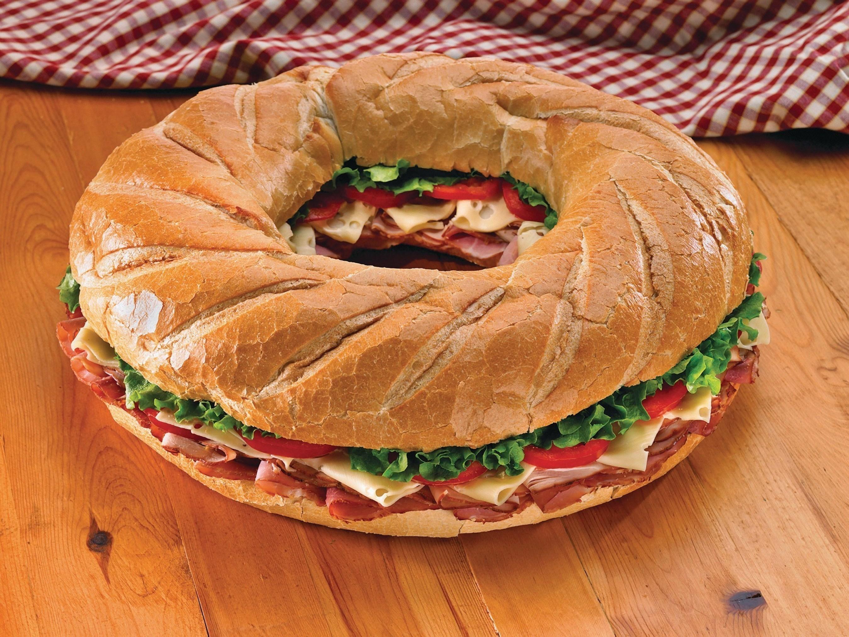 Wellsley Farms Deluxe Sandwich Ring