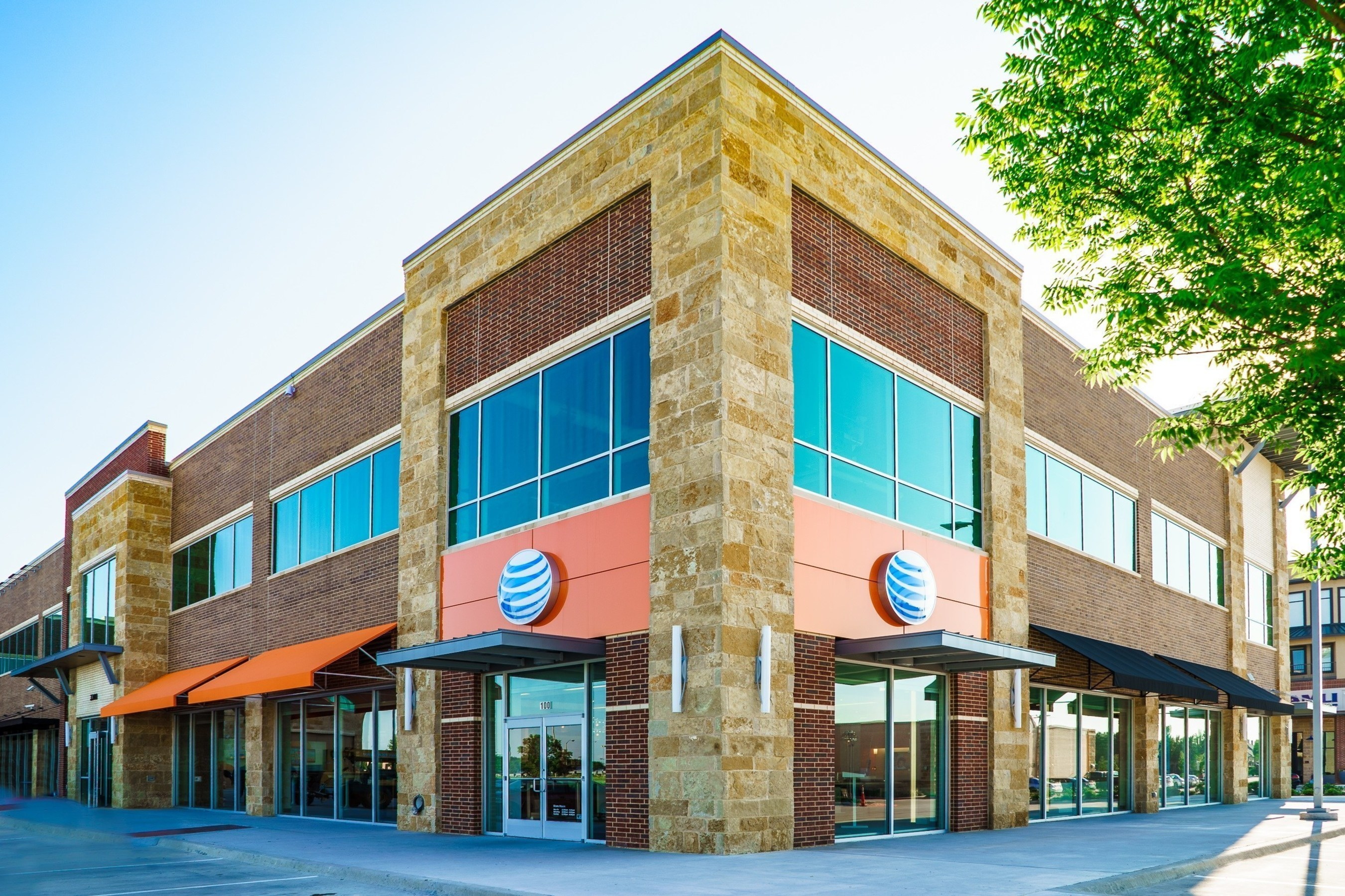 New AT&T Store In Plano Mirrors Customers' Mobile Lifestyle