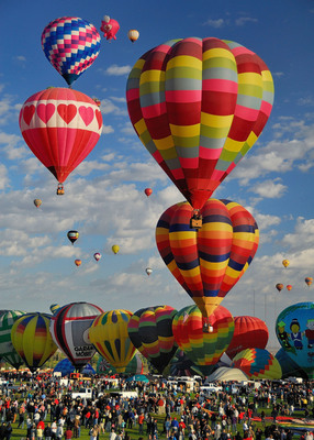 Bank of the West is a proud sponsor of the Albuquerque Balloon Fiesta, the largest international ballooning event in the world. The Fiesta kicks off October 6 in Albuquerque, New Mexico, with 19 participating countries and over 530 registered pilots.  (PRNewsFoto/Bank of the West)