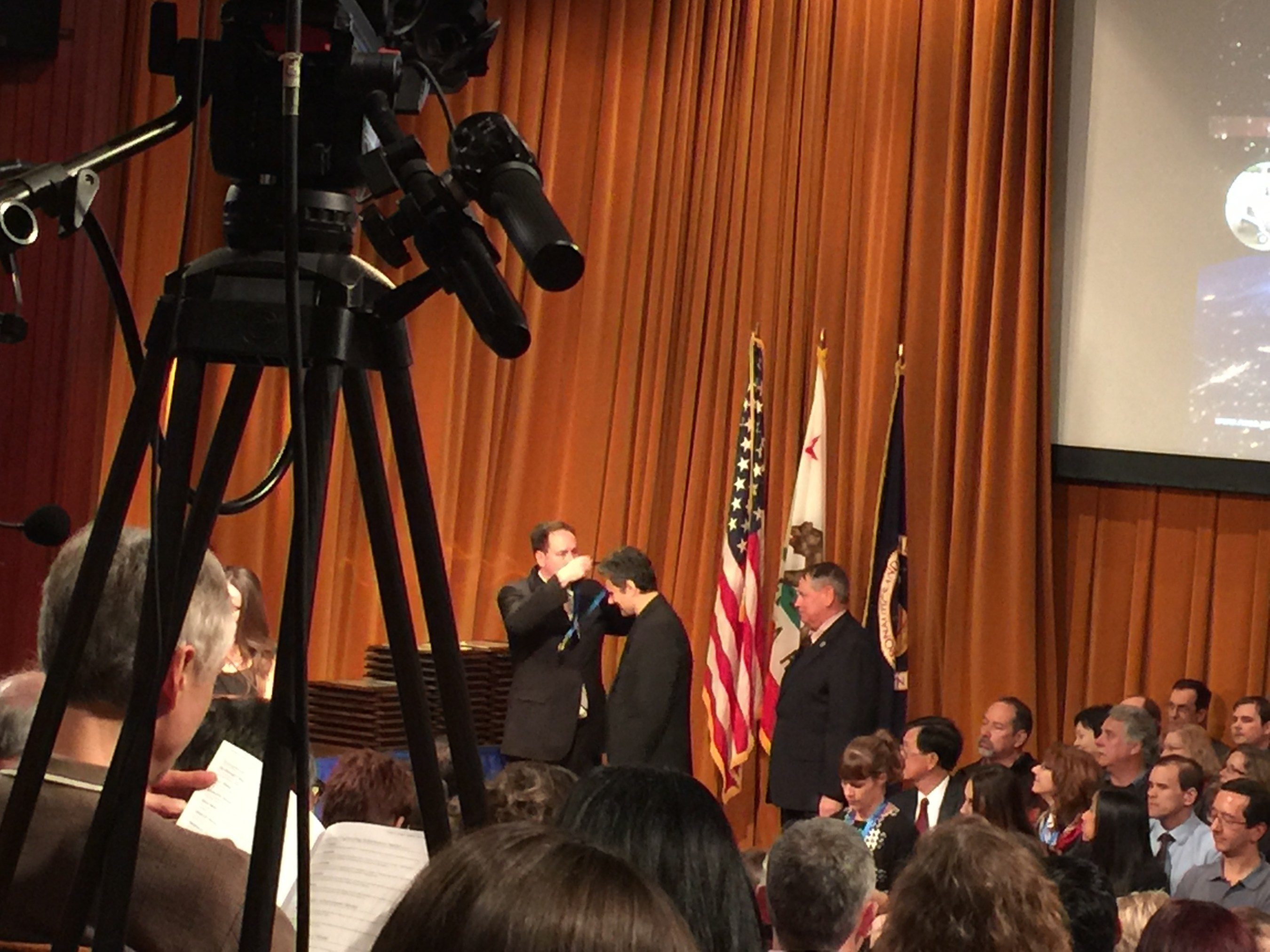 MCT's Dr. Dmitry Luchinsky receives the 2014 NASA Honor Award for Exceptional Engineering Achievement Medal.