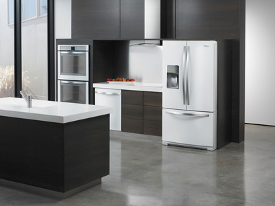 Whirlpool(R) White Ice Collection is Designed to Simplify.  (PRNewsFoto/Whirlpool Corporation)