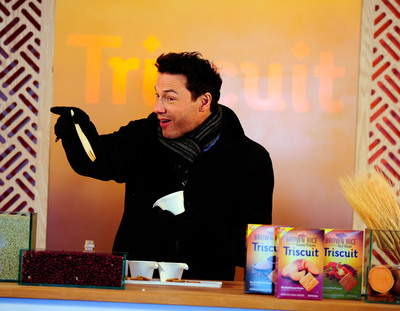 Brown Rice Triscuit Launches With Rocco DiSpirito In Times Square.  (PRNewsFoto/Mondelez International)