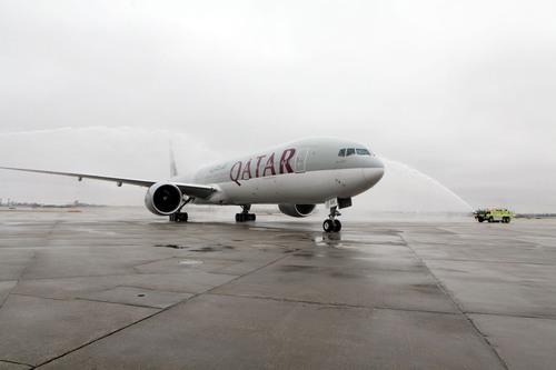 Qatar Airways First Passenger Flight to Chicago Touches Down at O'Hare International.  (PRNewsFoto/Qatar Airways)
