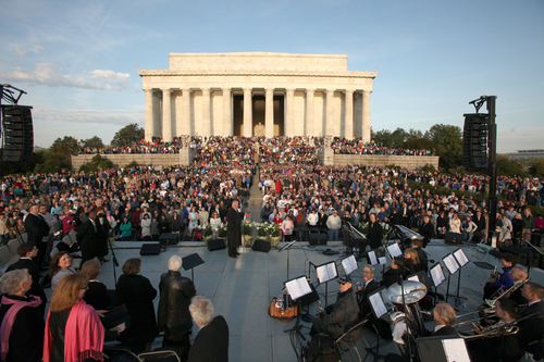 Capital Church Easter Sunrise Service at Lincoln Memorial. (PRNewsFoto/Capital Church)