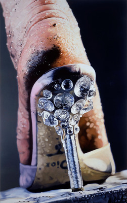 Strut, 2004-2005, by Marilyn Minter (American, b. 1948). Enamel on metal. Collection SFMOMA, Accessions Committee Fund purchase: gift of Johanna and Thomas Baruch, Charles J. Betlach II, Shawn and Brook Byers, Nancy and Steven Oliver, and Prentice and Paul Sack, 2005.187. Courtesy of the artist, SFMOMA and Salon 94, New York.