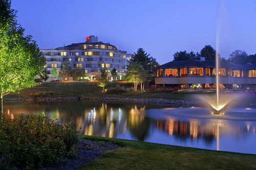 Hilton Chicago/Indian Lakes Resort. (PRNewsFoto/First Hospitality Group, Inc.) (PRNewsFoto/FIRST HOSPITALITY ...