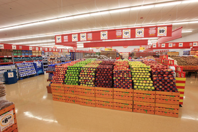 The new Good Cents Grocery + More will feature a variety of perishable offerings, including a 3,800 square-foot produce section with more than 230 conventional and organic produce items.  (PRNewsFoto/Giant Eagle, Inc.)