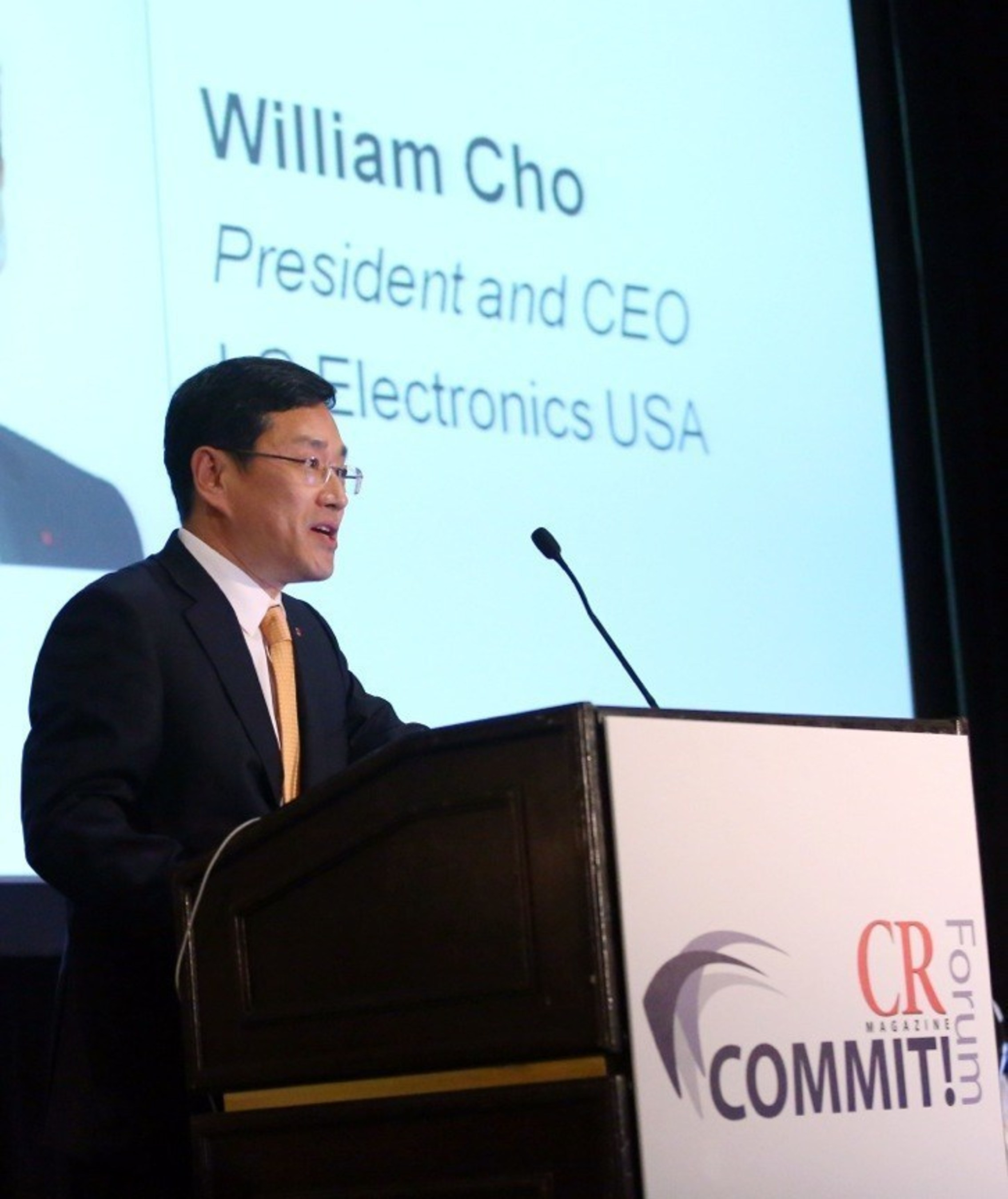 LG Electronics USA CEO William Cho, accepts the CEO of the Year Award, recognizing LG's environmental sustainability leadership, at the Responsible CEO of the Year Award ceremony in New York, N.Y.,Thursday, October 22, 2015. (Stuart Ramson/AP Images for LG Electronics USA)