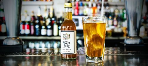 Sweet Sally Tea: Mississippi native bringing a dash of Southern Hospitality to leading venues across London. Introducing Soft Drinks Start-Up Sweet Sally Tea. Photo Credit: Kelly Curtis (PRNewsFoto/Sweet Sally Tea)