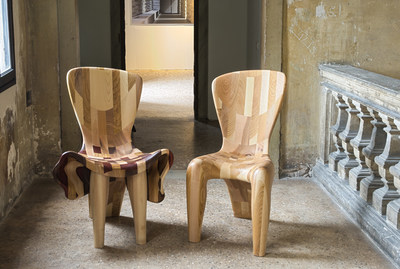 """Beatriz Gerenstein installation """"Couple, two chairs, one sculpture"""" at the 15th Architecture Venice Biennale"""