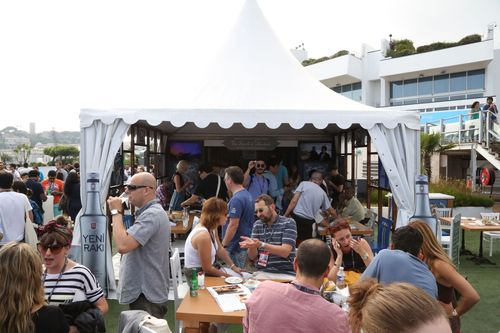 Yeni Rakı Inspires a Spirit of Sharing at Cannes Lions