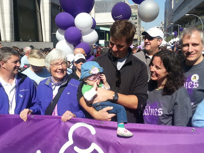 This Weekend, Two-Time Super Bowl MVP Eli Manning and Volunteers All March for Babies (PRNewsFoto/March of Dimes) (PRNewsFoto/March of Dimes)