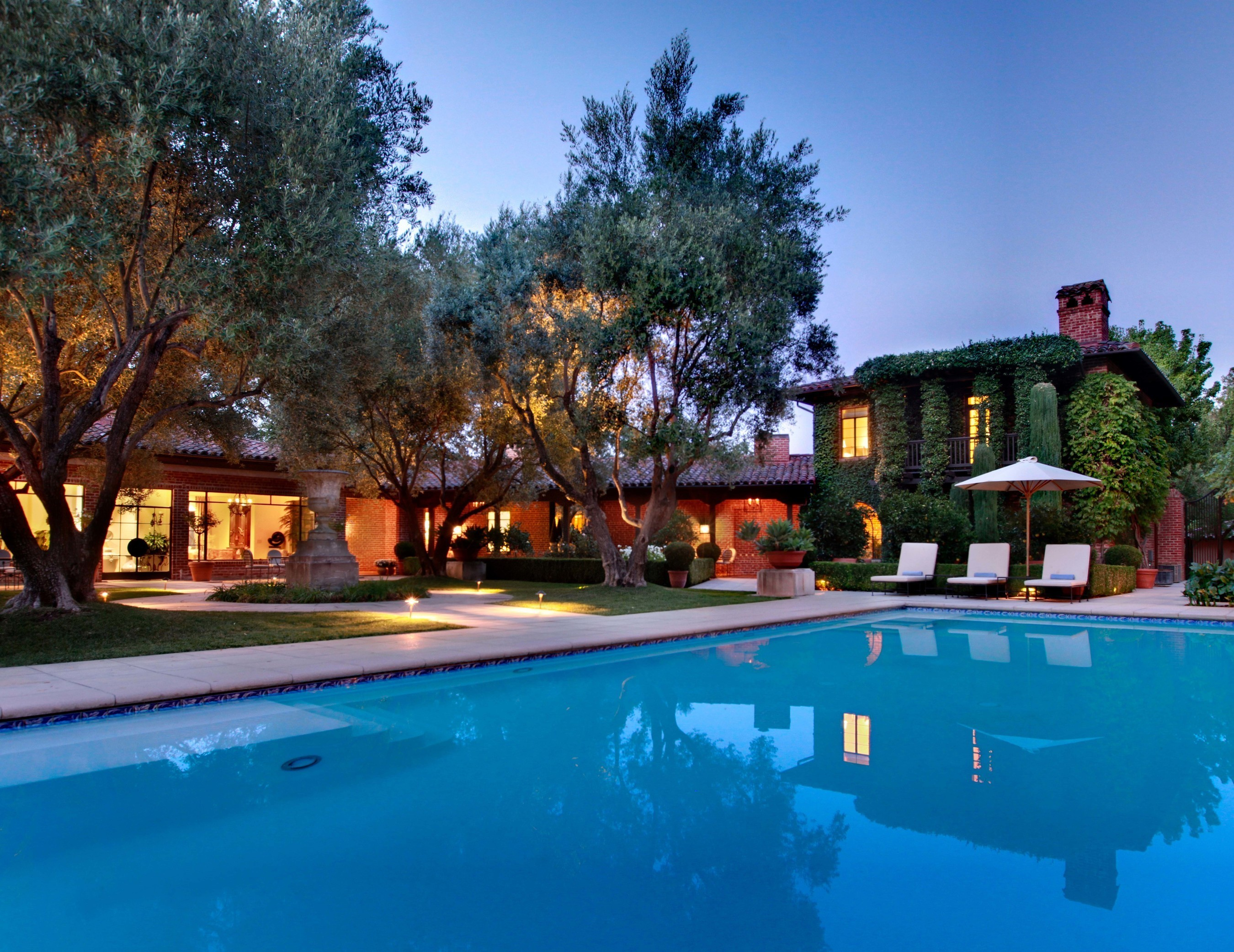 The 32-room Spanish-Mediterranean estate sits on 20 acres in the heart of Napa Valley (PRNewsFoto/Concierge Auctions)
