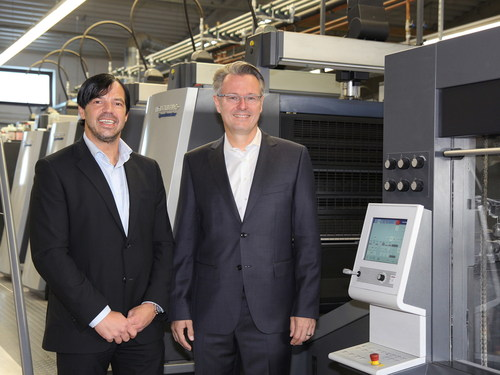 Walter Meyer, founder and COO of Onlineprinters, and CEO Dr. Michael Fries / A record year for Onlineprinters. (PRNewsFoto/Onlineprinters) (PRNewsFoto/Onlineprinters)