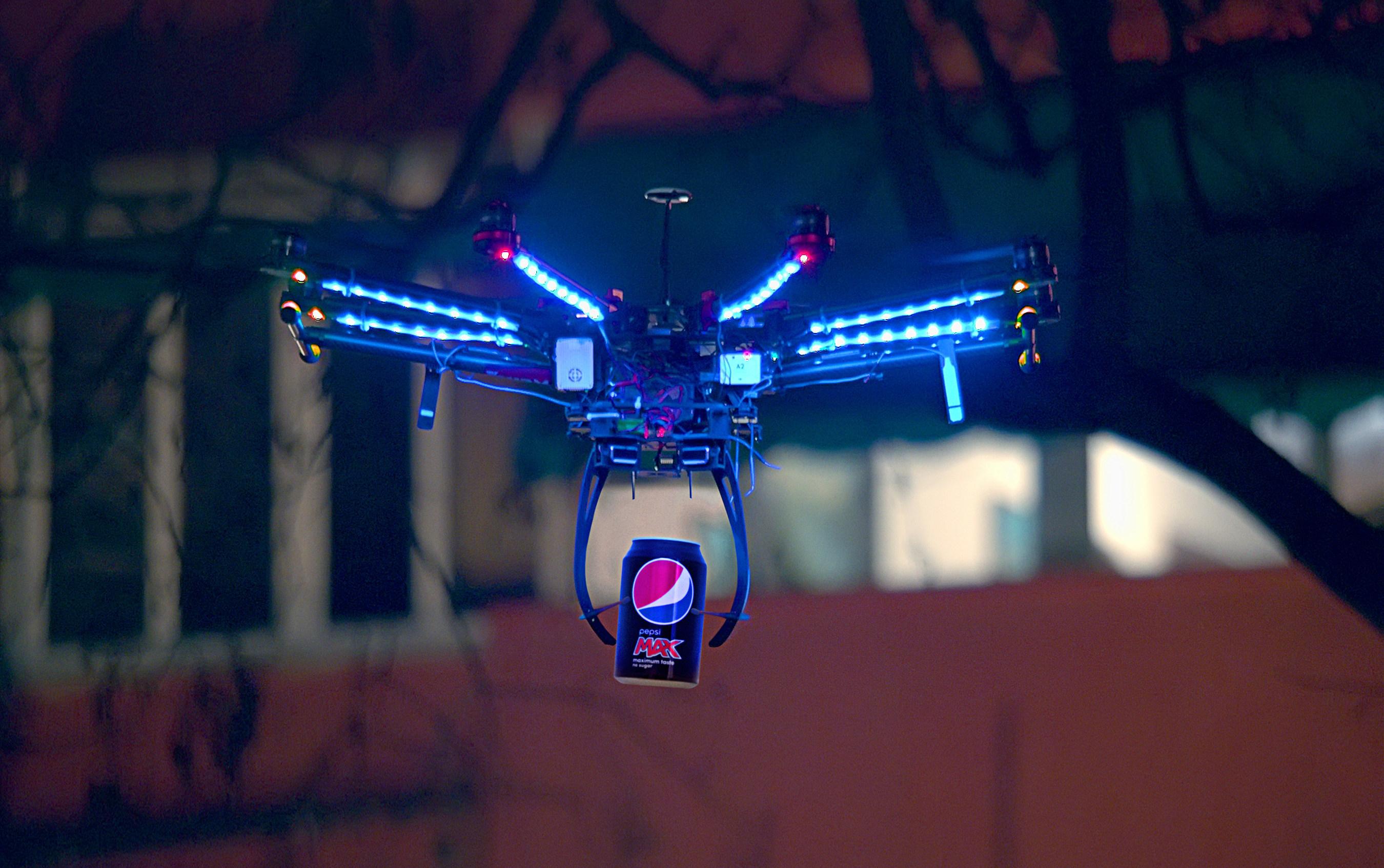 Se estrena la primera campaña global de Pepsi MAX®, Genius