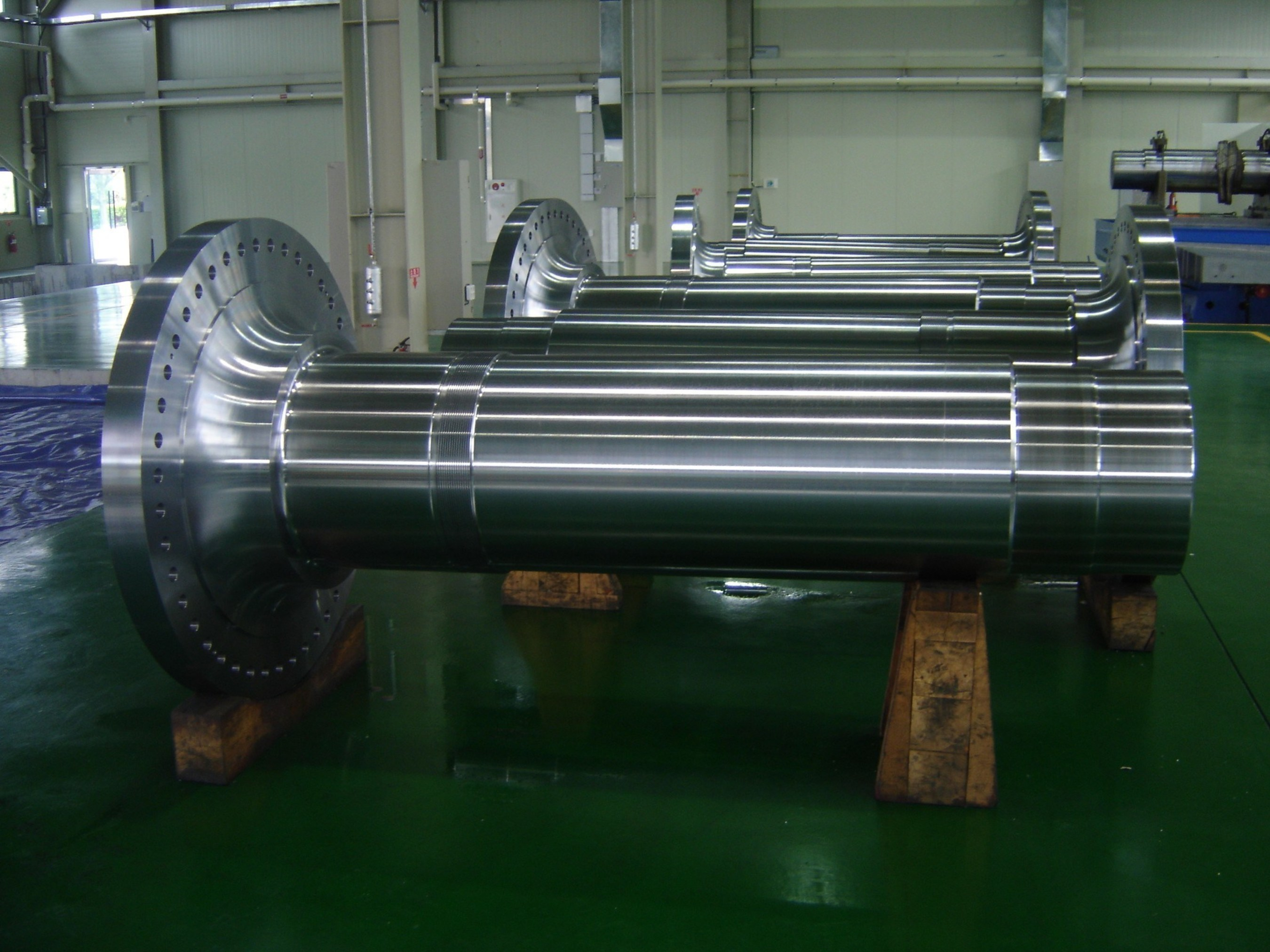 Pictured: Forged main shaft for wind turbine.