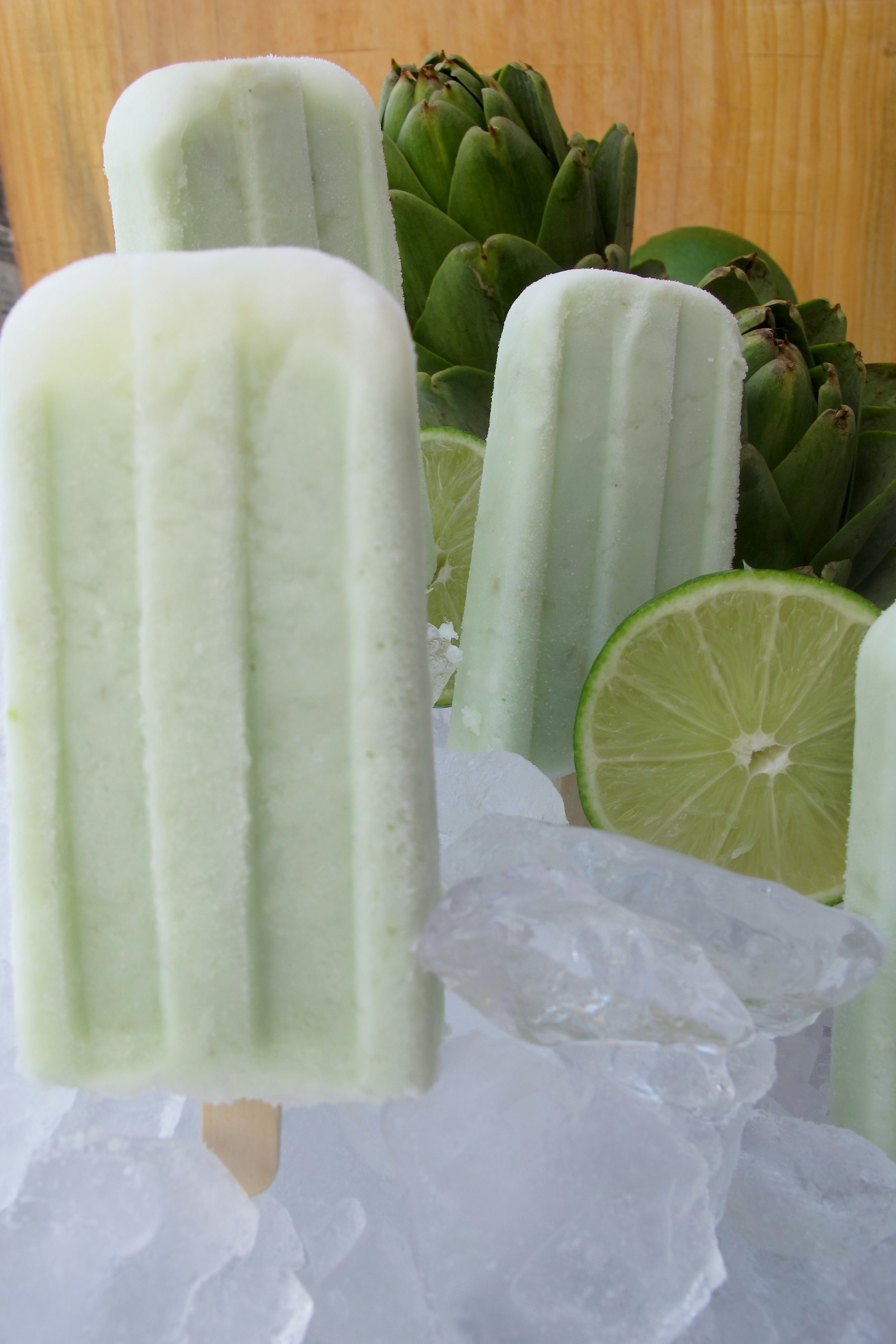 Lime ice pops with artichoke