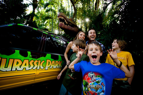 Universal Orlando Resort guests can now receive a fourth day and fourth night FREE, including accommodations at a hotel near Universal Orlando, park tickets and more. Guests can also save up to $350 at one of Universal Orlando's three on-site AAA Four Diamond Award-winning hotels with the Save and Play Getaway package. Visit UniversalOrlando.com for more information.  (PRNewsFoto/Universal Orlando Resort)