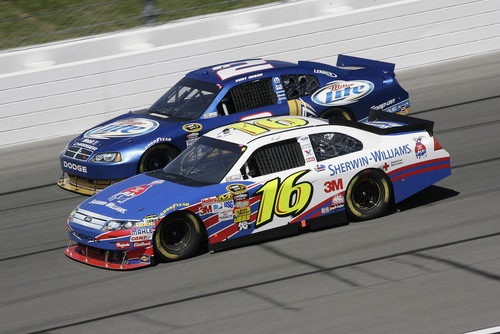 Sherwin-Williams, Greg Biffle Cruise to NASCAR Victory in Kansas