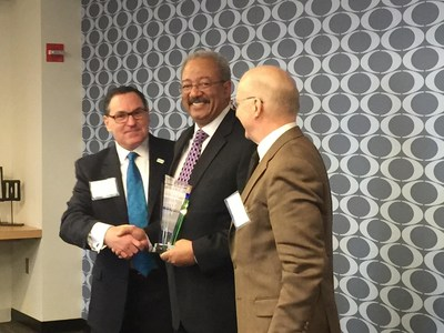 Congressman Chaka Fattah (PA-02) receives an award from the National Disease Research Interchange (NDRI) in Philadelphia.
