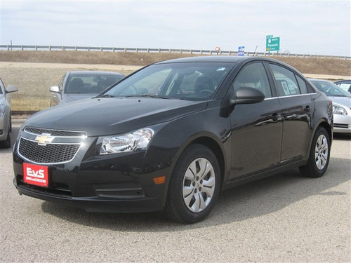 2012 Chevy Cruze Lease Milwaukee Wisconsin.  (PRNewsFoto/Eric von Schledorn Auto Group)