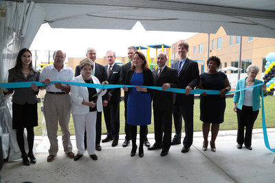 Texas First Lady Cecilia Abbott and Fort Worth Councilmember Kelly Allen Gray (D-8) joined representatives from Texas Capital Bank, Presbyterian Night Shelter, and FHLB Dallas at the grand opening and ribbon-cutting ceremony of The Morris Foundation Women and Children's Center today.