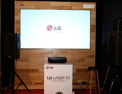 VIP guests will watch football playoff action on LG's 100-inch Laser TV at the LG Music Lodge at the Sundance Film Festival on Sunday, January 19, 2014. (PRNewsFoto/LG Electronics USA, Inc.) (PRNewsFoto/LG ELECTRONICS USA, INC.)