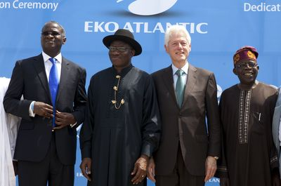5,000,000 SQM Dedication Ceremony, Eko Atlantic, February 21, 2013. L/R Governor of Lagos State, Babatunde Fashola, Former US President, Bill Clinton, Nigerian President Dr. Goodluck Jonathan
