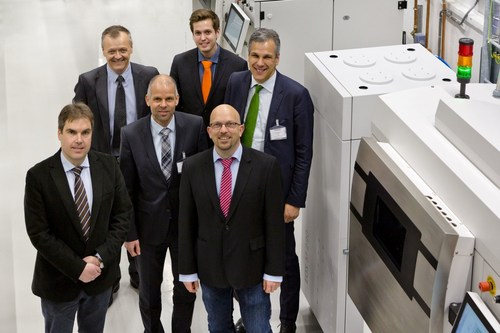 Parts of the Siemens AM team and EOS team gather at Siemens new AM workshop in Finspong, Sweden. From Siemens: Andreas Graichen, Andreas Persson, Edvin Resebo, Steve Middlebrough. From EOS Dr. Adrian Keppler and Markus Glasser. (PRNewsFoto/Electro Optical Systems) (PRNewsFoto/Electro Optical Systems)