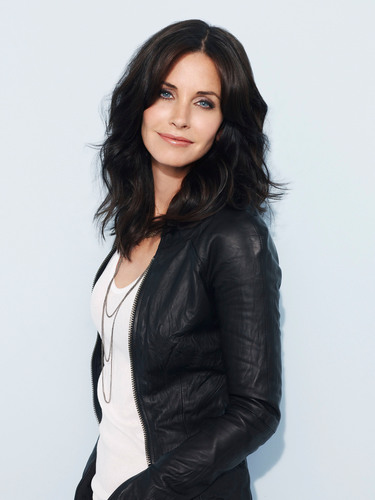 Courteney Cox.  (PRNewsFoto/Joss & Main)