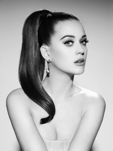 Katy Perry signs with Coty, the global beauty company, to develop and market her own line of signature fragrances.    (PRNewsFoto/Coty Inc.)