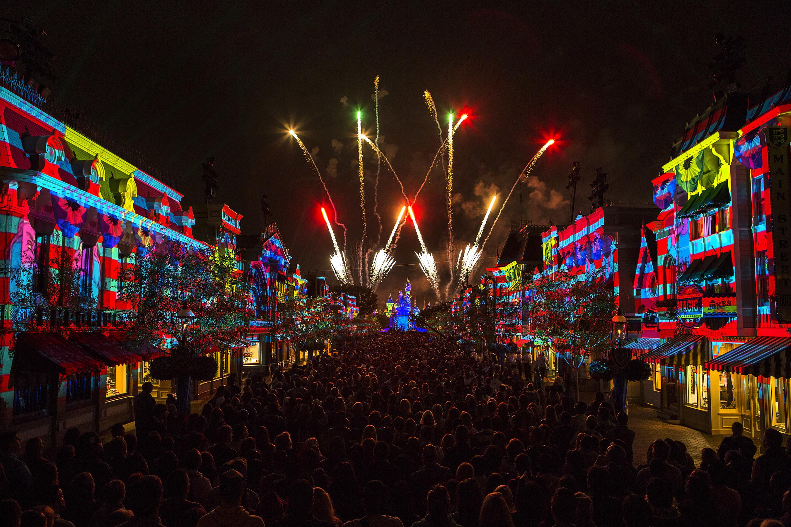Inicia el Aniversario de Diamante del Disneyland Resort para celebrar 60 años de magia con tres
