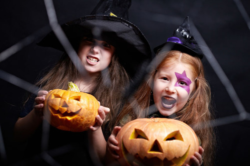 Halloween Prompts Mysterious Tween Behavior. (PRNewsFoto/Ashford University)