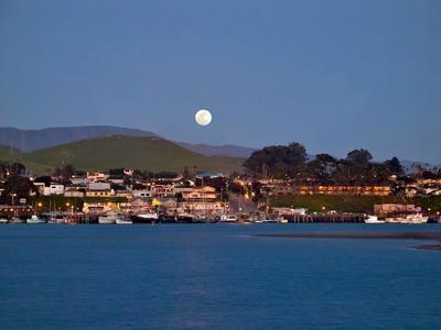 Moon over downtown Morro Bay. (PRNewsFoto/Morro Bay) (PRNewsFoto/Morro Bay)