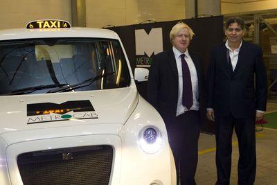 Frazer-Nash Chairman Kamal Siddiqi presents the zero-emissions-capable next generation Metrocab World Taxi to London Mayor Boris Johnson (PRNewsFoto/Metrocab and Frazer-Nash)