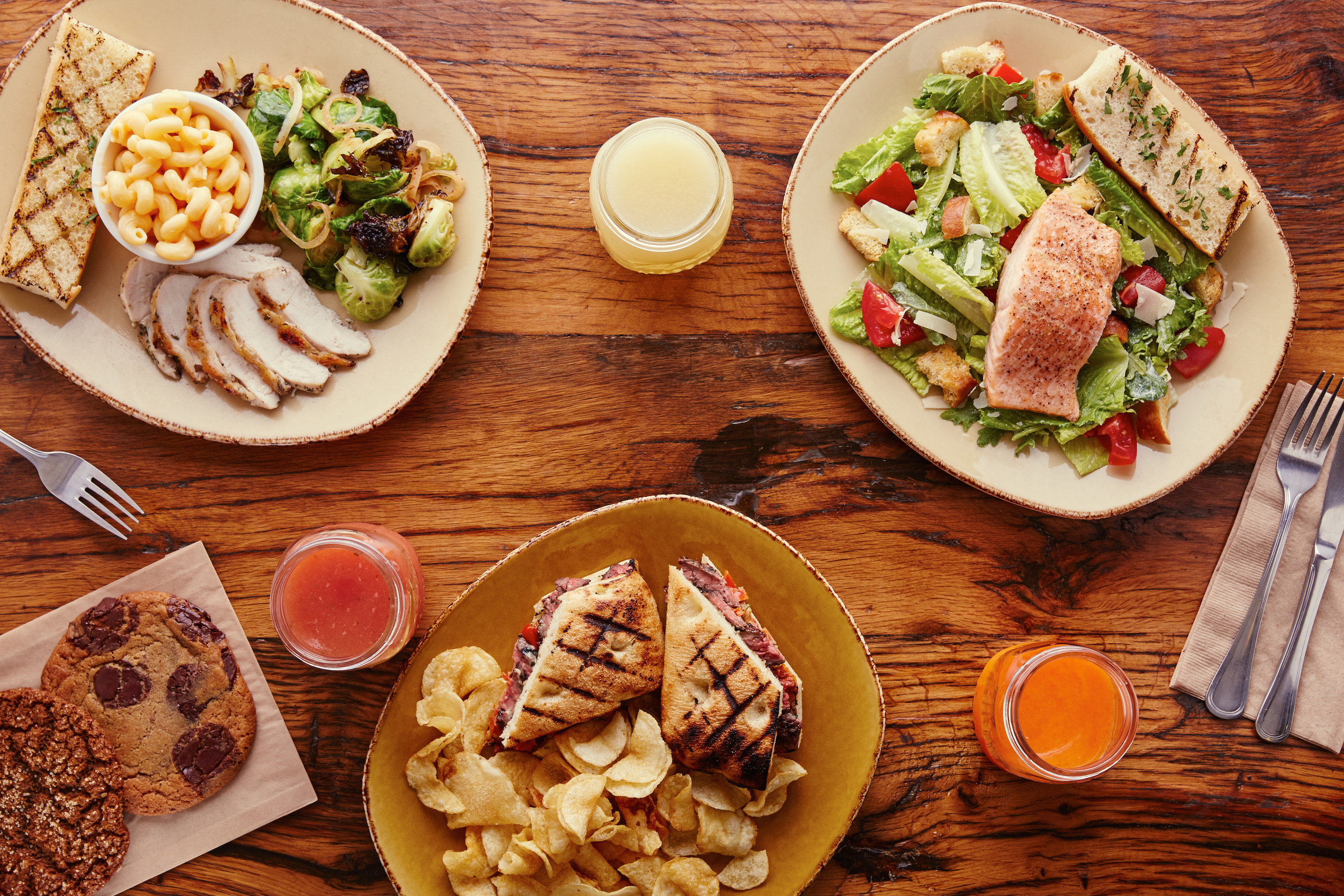 Real meals made from scratch with free range chicken, grass fed steak, wild caught albacore, salmon and more.