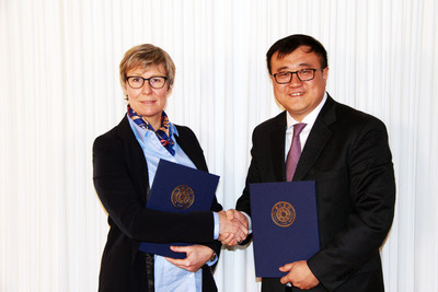 Hanne Rasmussen, CEO, LEGO Foundation and Prof. Yang Bin, Vice President, Tsinghua University, have signed an ...
