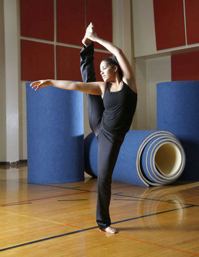 March 2010: Mia Welch, 21, dancing at Mesa Community College five months before she became ill from heart failure. She was bridged to a heart transplant with the SynCardia Total Artificial Heart on March 18, 2012.  (PRNewsFoto/SynCardia Systems, Inc.)