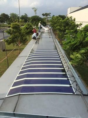Roofed walkway with HeliaFilm(R) at Seletar Airport, Singapore (C) JTC (PRNewsFoto/Heliatek)