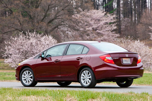 Honda's 2012 Civic sedan named one of the 10 Best Green Cars of 2012 by Kelley Blue Book's kbb.com.  (PRNewsFoto/American Honda)