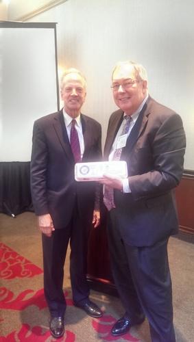 UEP Chairman Jim Dean & U.S. Senator Jerry Moran (R-KS) (PRNewsFoto/United Egg Producers)
